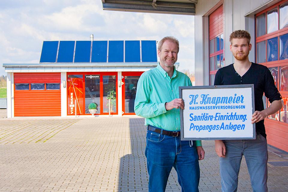 Meisterbetrieb für Sanitär und Heizung in Bielefeld in der 3. Generation von Jürgen Knapmeier geführt. Auch die 4. Generation mit Sohn Pascal